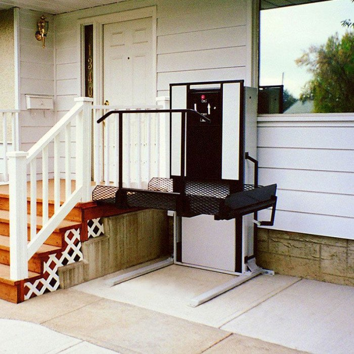 Freedom 28 outdoor wheelchair lift for home straight right for Wheelchair home